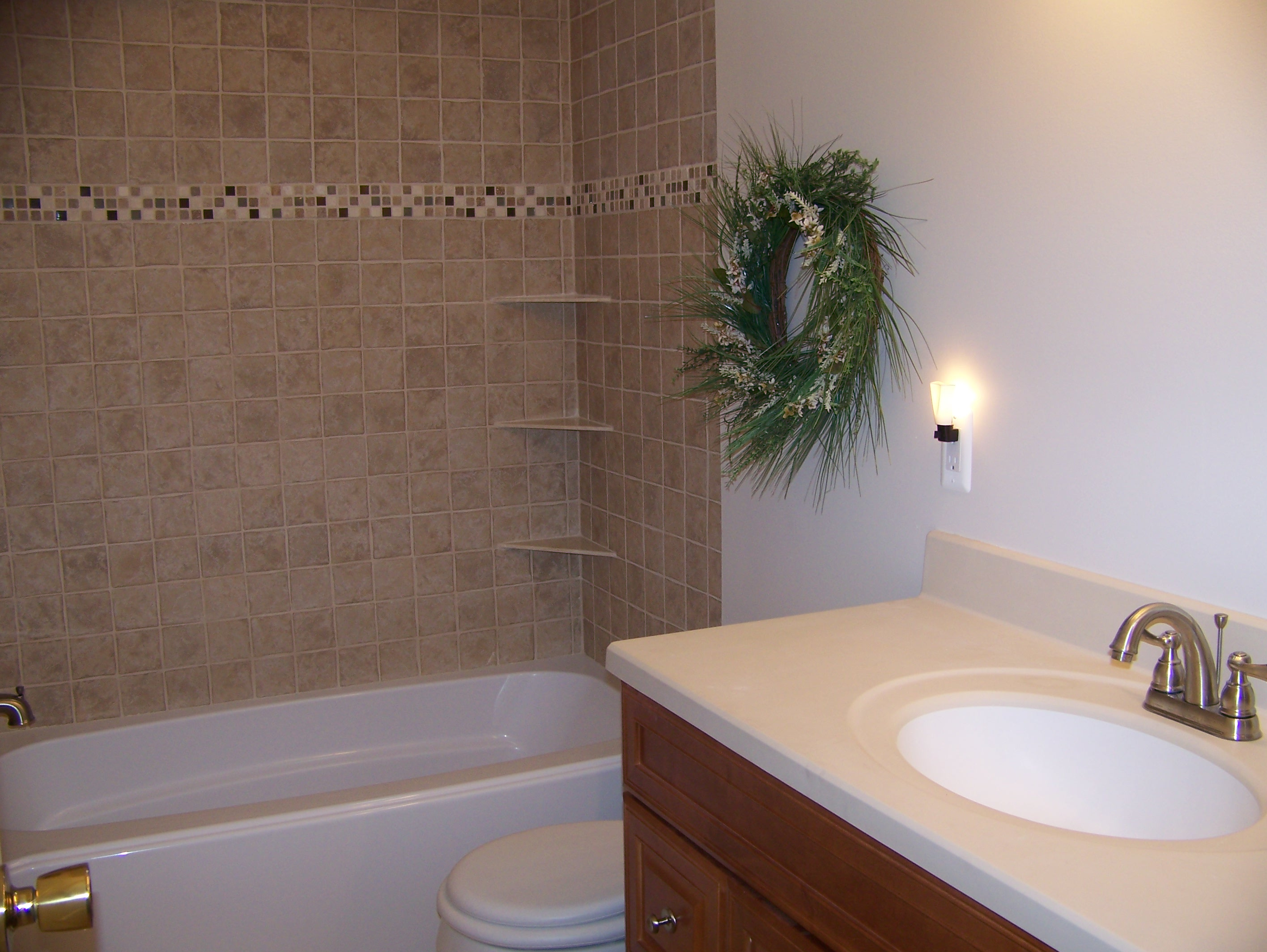 Canton michigan bathroom remodeling pictures for ideas for Bath remodel wyoming mi
